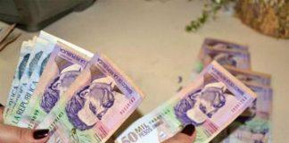Dinero colombiano.
