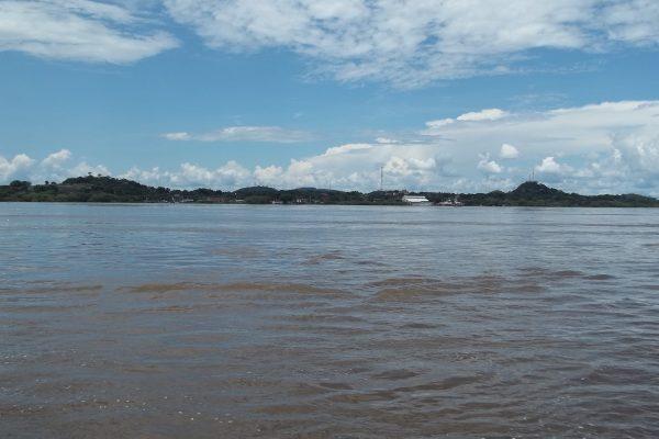 Rio_orinoco_en_puerto_ayacucho_amazonas