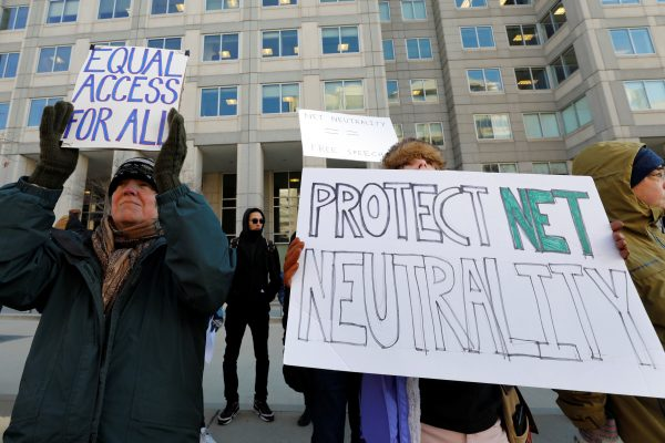 Los proveedores de servicios por internet aseguran que no bloquearán ni acelerarán contenido legal. Foto: Reuters