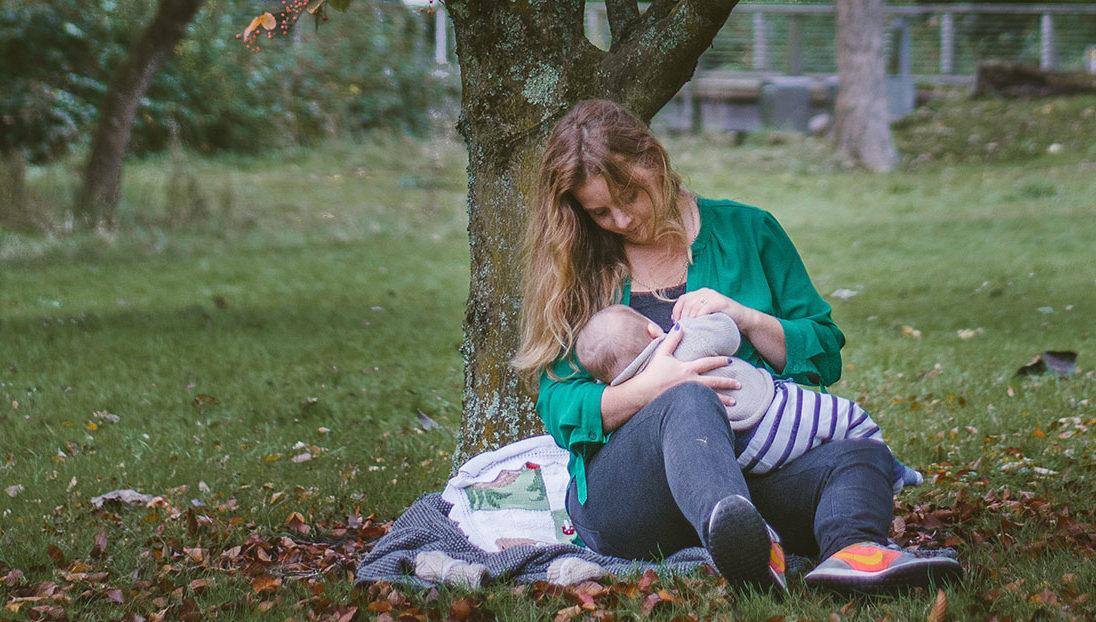Aplausatón para las madres en su día: la idea para celebrar sin riesgos