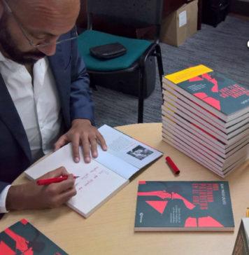 Juan Pablo Calvás presenta su libro nos pintaron pajaritos en el aire