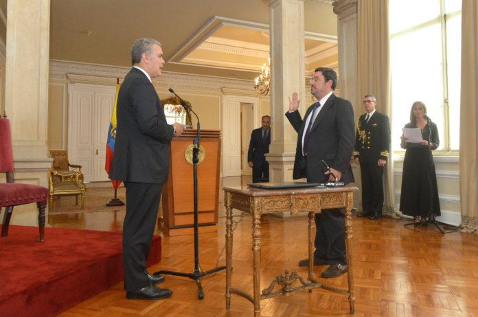 Este jueves se posesionó Francisco Santos como nuevo Embajador de Colombia en Estados Unidos.