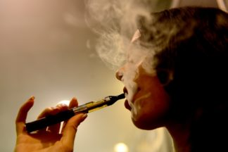 Medidas contra empresas de cigarrillos electrónicos