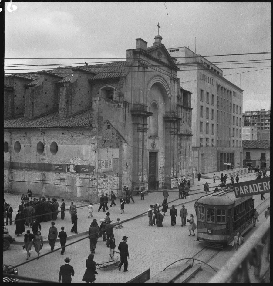 Iglesia de Santo Domingo. Fondo: Sady González (1947)