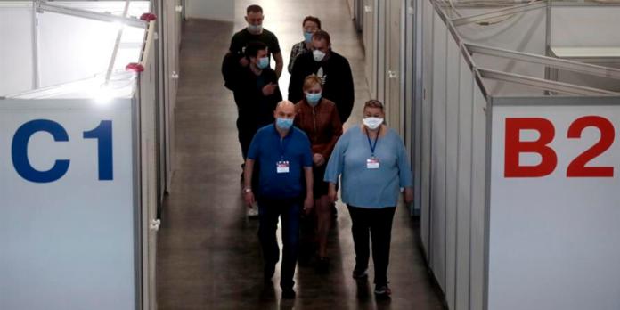 Médicos en Rusia (EFE)