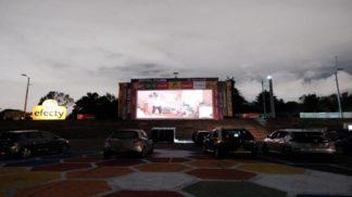 Cine Móvil en el Parque Simón Bolívar.